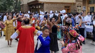 古尔邦节:和田团城好欢乐
